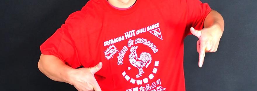 709fd0fd583 Grown Man Wears Sriracha Sauce Label T-shirt Out In Public –  SmellNebraska.org